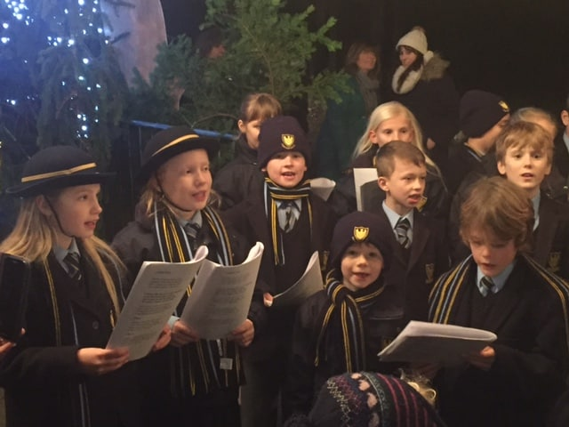 Years 2-6 Sing at Penshurst Christmas Market